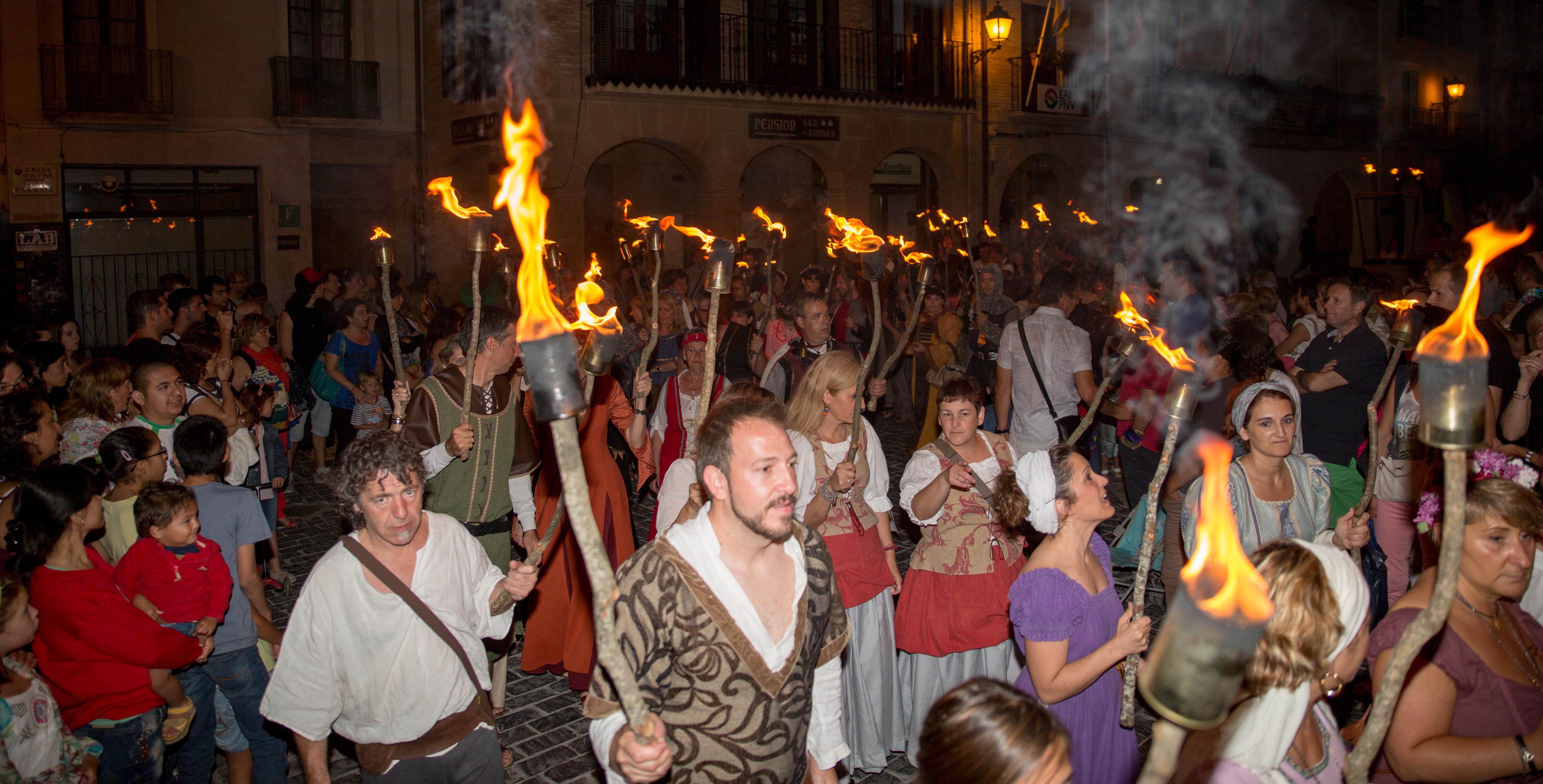 1 desfile nocturno
